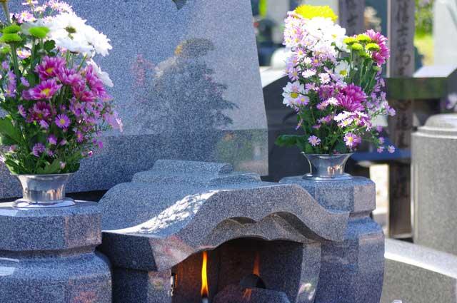 ブログお墓参りの花